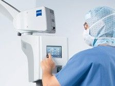 doctor using opmi lumera i integrated camera